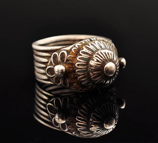 Akha silver ring